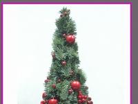 choinka z jodły z ozdobami w ceramicznym naczyniu, dekoracje bożonarodzeniowe, dekoracje świąteczne