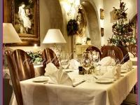 dekoracja świąteczna restauracji, dekoracje bożonarodzeniowe, dekoracje świąteczne
