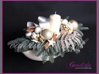 stroik świąteczny w naczyniu ceramicznym, dekoracje bożonarodzeniowe, dekoracje świąteczne