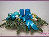 stroik świąteczny z dwoma świecami, dekoracje bożonarodzeniowe, dekoracje świąteczne