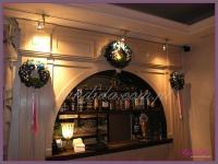 wianki świąteczne, dekoracje świąteczne restauracji, dekoracje bożonarodzeniowe, dekoracje świąteczne