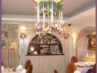 dekoracje świąteczne w restauracji, dekoracje bożonarodzeniowe, dekoracje świąteczne