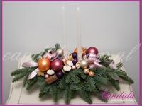 stroik bożonarodzeniowy z dwoma świecami