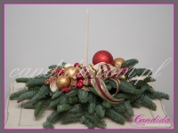 stroik bożonarodzeniowy z podłużną świecą