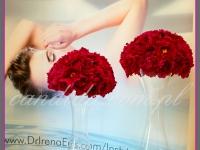 kwiatowe dekoracje na event promujący nową serię kosmetyków, kompozycje kwiatowe z piwonii