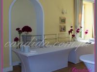 dekoracje eventowe, kwiatowe dekoracje bufetu
