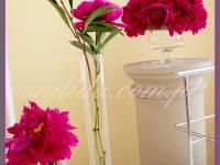 dekoracje eventowe, kwiatowe dekoracje bufetu piwoniami