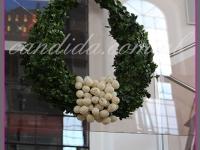 duży wianek wielkanocny w kształcie jajka, dekoracje wielkanocne, dekoracje eventowe, dekoracje wielkanocne dla PGNIG
