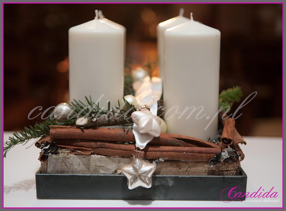 stroik świąteczny ze świecami