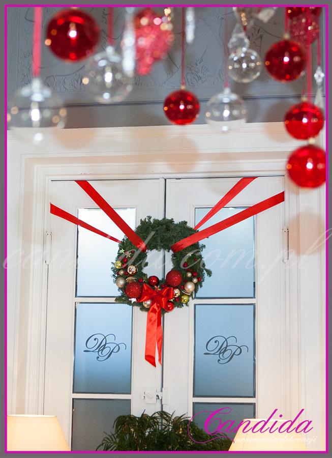 wianek bożonarodzeniowy, dekoracja świąteczna drzwi