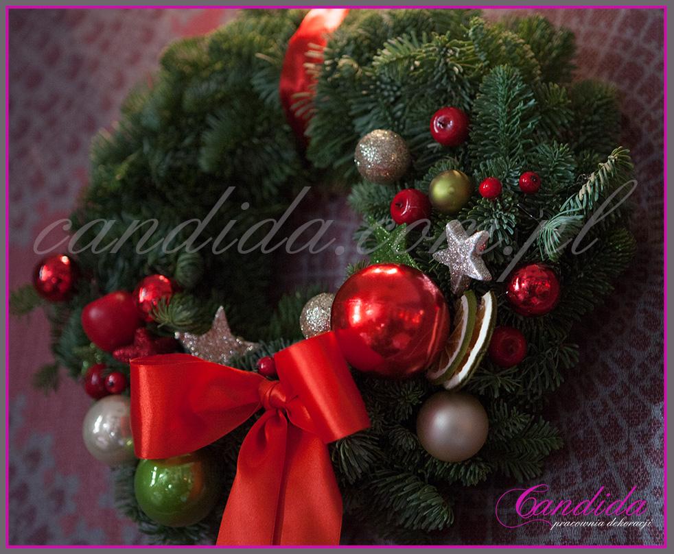 wianek bożonarodzeniowy, dekoracja świąteczna restauracji