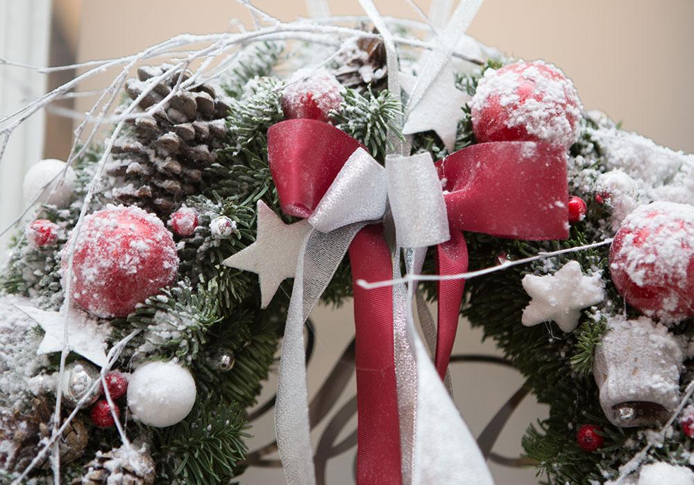wianek świąteczny, dekoracja bożonarodzeniowa, dekoracje świąteczne,
